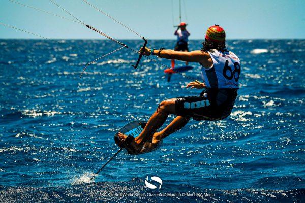 Gin-Kiteboarding-Flymaax-Kitefoil-World-Series-Gizzeria-3